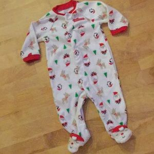 Christmas pj's by Carter's size 6M
